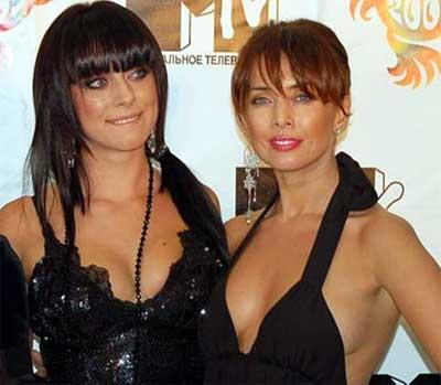 Жанна с сестрой Наташей