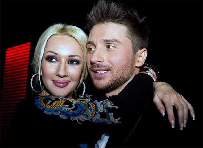 Фанаты тусовщицы из клипа Сергея Лазарева узнали подробности ее жизни