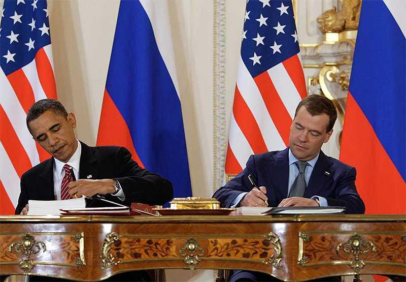 Подписание Б. Обамой и Д.А. Медведевым договора СНВ-3. 8 апреля 2010 года. Прага