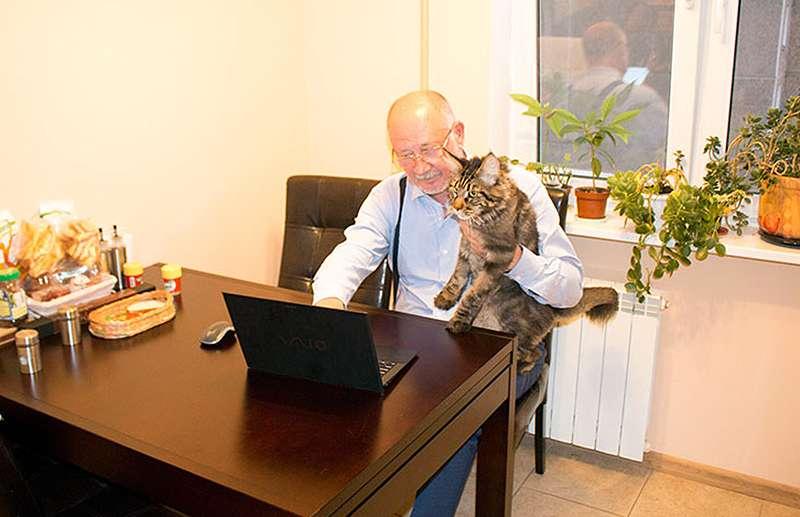 Anatoly Yunitskiy với chú mèo: Dự án công nghệ giao thông sáng tạo SkyWay, họ không phải là người duy nhất